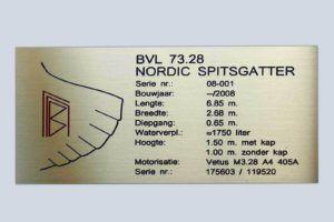 messing-frezen-inlakken-typeplaat-Nordic-Spitsgatter