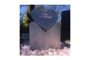 Grafmonument RVS Frees inlakken Overlijden hart gina van binkel berna van ginkel IMG 6698 1600x1066 1